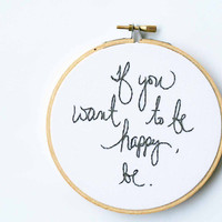 Gray embroidery hoop art / silver grey home decor / be happy quote / cursive writing / 5 inch size