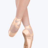 Free Shipping - Recital Pointe Shoe by SANSHA