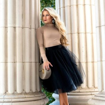 BLACK TULLE SKIRT (circle)