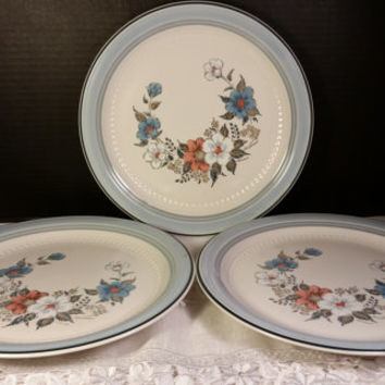 Crowning Fashion Blue Bouquet 3 Dinner Plates Johann Haviland Made In Japan White, Pink and Blue Flowers Haviland Dinnerware Set of 3 Plates