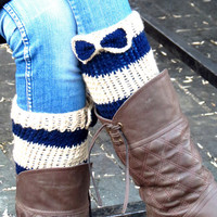 Bow Cuffs,Navy Tan Short Knitting Boot Cuffs with bow. Short Leg Warmers. Crochet Boot Cuffs. Bow boot cuffs. Bow Accessory