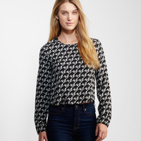 Long Sleeve Scalloped Bird Top