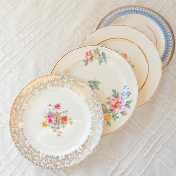 On Sale Mismatched Cottage Style Plates, Set of 4, Vintage, Dessert Plates, Bread and Butter, Wedding, Tea Party
