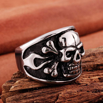 Skull and Bones Ring - Jolly Roger Cross Bones