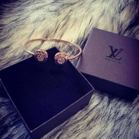 Louis Vuitton Female bracelet