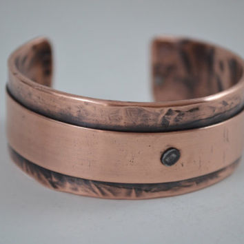Beautiful Copper Cuff, Copper Cuff,  Copper Bracelet,  Cuff Bangle, Copper Jewelry, Artisian Jewelry, Unisex Copper Jewelry, Metal Rivets