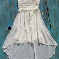 ivory cowgirl dress to wear with cowboy boots | Elusive Cowgirl