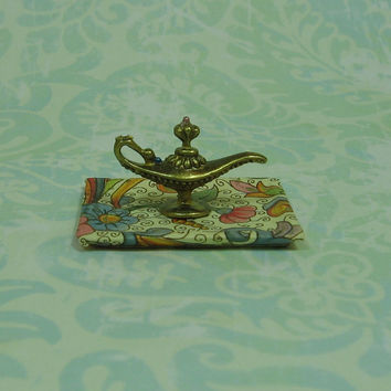 Dollhouse Miniature Florentine Tray with Alladin Style Lamp