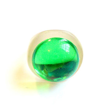 Vintage Green Domed Ring - Chunky Acrylic - Bubble Ring - Size 8 - Raver Gear - 1990s Style - Plastic Cabochon