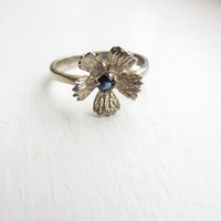 Sapphire and Sterling Silver Flower Ring, Sapphire Ring, Vintage Sapphire Ring, Vintage Gift Idea, Ring Size 6.5