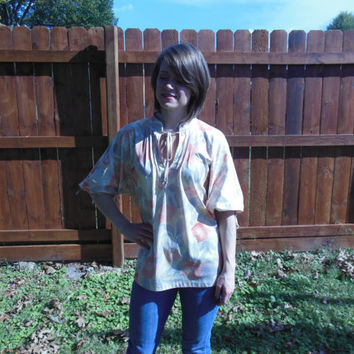Vintage 1970's peasant top in shades of peach, yellow, pink, and grey.  boho//hipster//hippie//gypsy