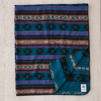 Johnson Woolen Mills Fisher Cat Throw Blanket | Urban Outfitters