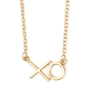 XO Charm Necklace Vintage Gold Tone Kisses Hugs Pendant NN05 Fashion Jewelry