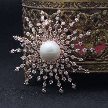 CINDY XIANG 2017 New Product Hot Selling Beautiful Retro Pretty Sun Flower Brooch Inlaid Pearl Corsage Accessories For Women