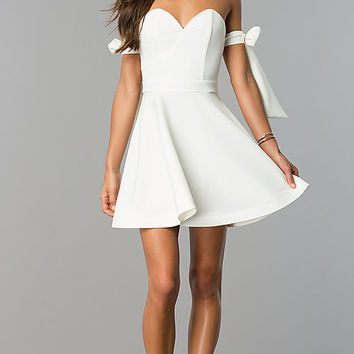 Bow-Tied White Strapless Sweetheart Party Dress