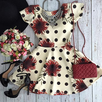 Floral and Dot Print Short Sleeve Sheath Mini Skater Dress