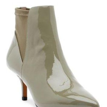 Donald Pliner Women's Feris Pointed Toe Carbon Heel Ankle Boot