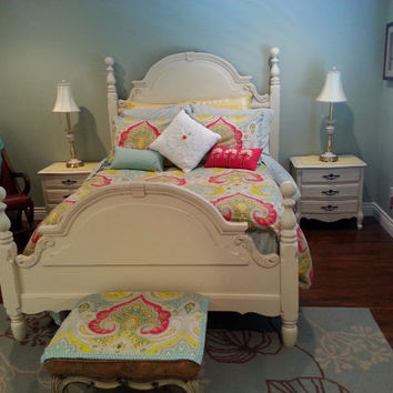 Vintage French Provincial Full / Queen Bedroom Set