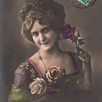 Vintage French romantic Woman Postcard . Romantic post card.