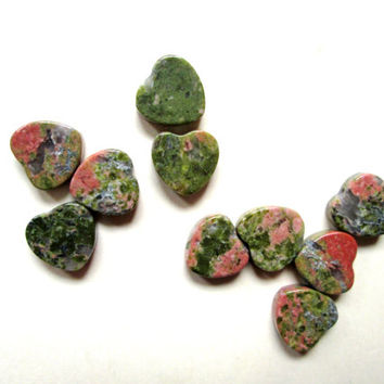 Heart Beads gemstone unakite olive sage green coral pink jewelry destash heart chakra love balance emotions 10 pieces 9mm small hearts