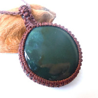 Bloodstone necklace, macrame jewels, adaptation necklace, beach jewelry, healing stones, green crystals, Aries healing, Libra crystals