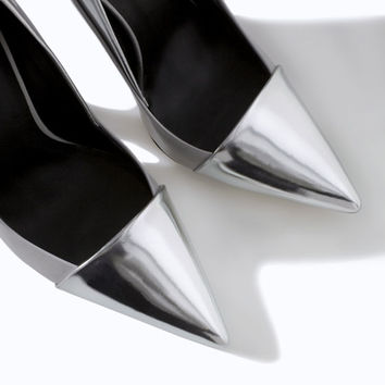 LEATHER HIGH HEEL COURT SHOE WITH METAL CAP TOE