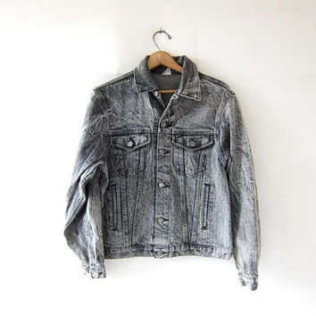 Vintage 80s black denim jean jacket. Acid wash jean jacket.