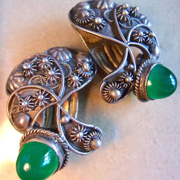 800 Silver Etruscan Chrysoprase Earrings, High Domed Cabochons, Vintage Clip Ons