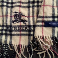 Accessories Scarf Burberry for winter wear London vintage