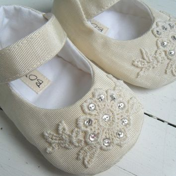 Mary Jane Shoes, Baby Shoes Flats, Ivory Vintage Taffeta, Flower Girl Shoes, Bobka Shoes by BobkaBaby