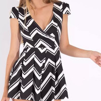 Zigzag Print V-Neck Cap-Sleeve Pleated Romper