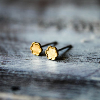 Itty bitty Flower Earring Studs in Raw Brass -  Stainless Steel Posts