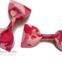 Pink camouflage hair clip set/ Pink camo hair bow set/ Camo hair clips/ Pink camo bow set/ Camo hair bows