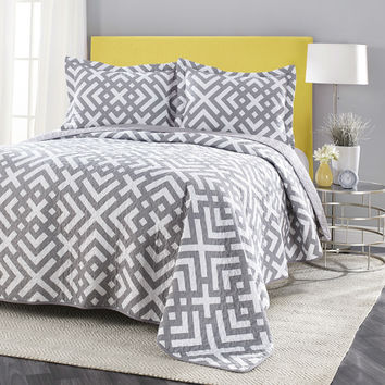 King Geometric Reversible Grey White Coverlet Quilt Set