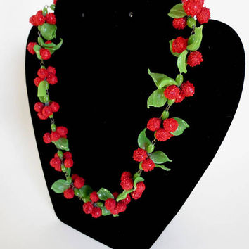"1930s Venetian Glass Berry Necklace Rockabilly Red and Green Murano Beaded 18"" Carmen Miranda Hollywood Supermodel Jackpot Jen Vintage"