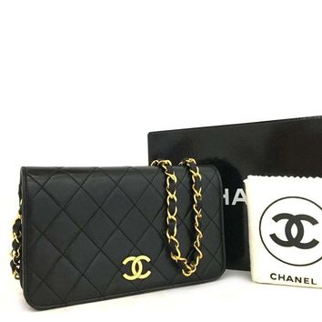 Chanel Classic Flap Quilted Single Black Lambskin Leather Shoulder Bag 5657 (Authentic Pre-owned)