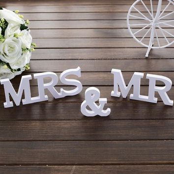 Wedding Sign MR & MRS Party supplies Wooden furnishing articles in English letters Wedding props Sweetheart Table Decor