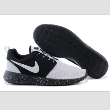 Nike roshe run couple light sports leisure net surface breathable Olympic running shoes white toe cap (black starry sky soles)