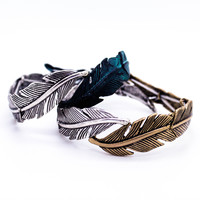 Feather stretch bracelet