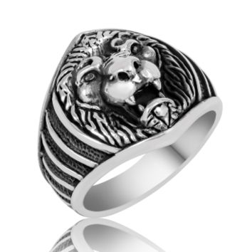 Lion face sterling silver ring