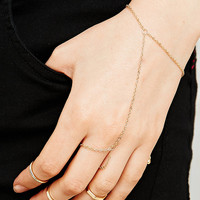 Hand Chain and Slim Rings Pack in Gold - Urban Outfitters
