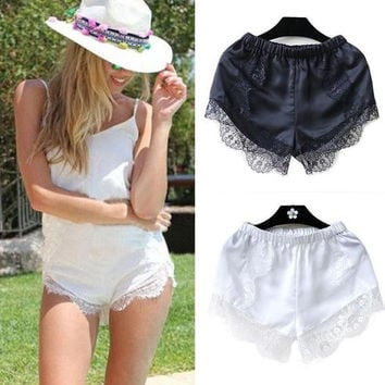 Summer New Hot 2016 Fashion Fashion Black/White Free Size Women Girl Elastic Casual Shorts High Waist Lace Short Pants