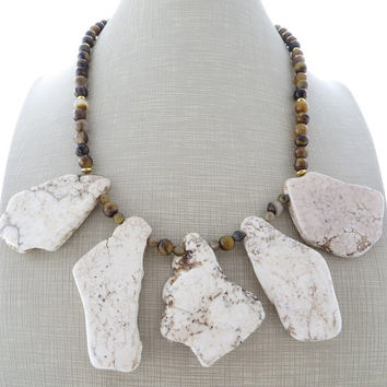 White turquoise necklace, chunky stone necklace, big bold necklace, tiger eye necklace, large bead necklace, howlite jewelry, gioielli