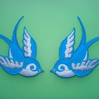 Tattoo Sparrow Swallow Couple Bird Blue/White Emo Punk Motorcycle Biker Racing B01 Embroidered Sew or Iron on Patch