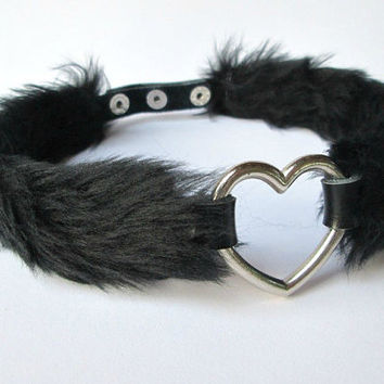 Black Fur Heart Choker, Nu Goth Collar, Sexy Furry Choker Necklace, Gothic Lolita Chocker Pet Play, Faux Fur