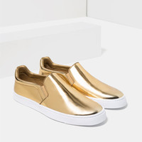 GOLDEN SNEAKERS