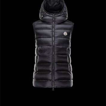 Moncler RAY Detachable Hood Black Waistcoats Techno Fabric Mens 41456966IC