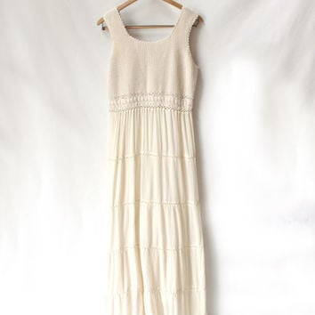 Vintage Wedding Dress, Gorgeous Off-White Bohemian Crochet and Linen Tiered Beach (Large)