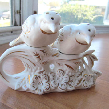 Napco bird salt and pepper shakers with base vintage 1961