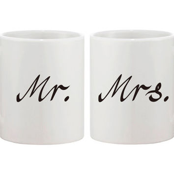 Mr. and Mrs. Matching Mugs Calligraphy Style Couple Mug Set Perfect Wedding, Engagement, Anniversary, and Bridal Shower Gift for Newlyweds